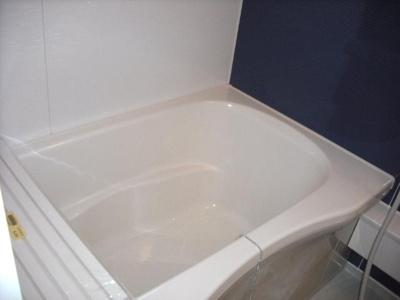 追い焚きき機能、浴室乾燥機付き!