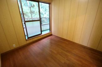 2階洋室4.5帖 フローリング張り替え済