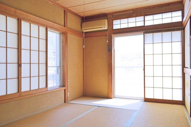 1Fの7.5帖和室、明るい和室です