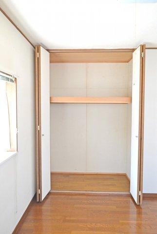 2F北側洋室、収納スーペース