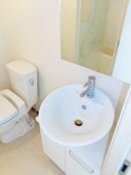 嬉しい独立洗面台☆脱衣スペースあります☆