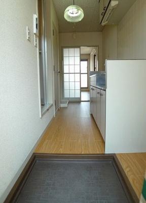玄関からお部屋