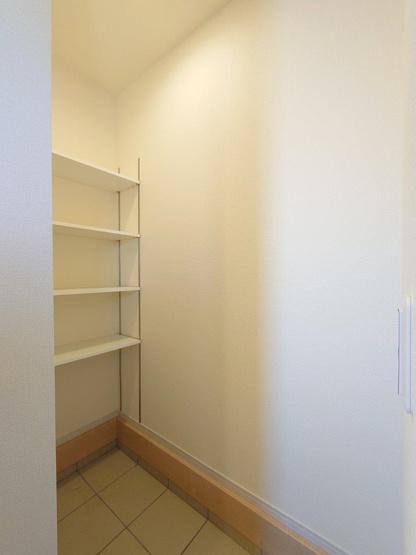 キッチン《 同社施工例 》現地見学や詳細は 株式会社レオホーム へお気軽にご連絡下さい。
