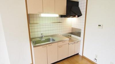 【キッチン】アヴェニ-ルコ-トひびきのB