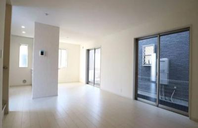 【前面道路含む現地写真】所沢市東狭山ヶ丘2丁目 全2棟 1号棟