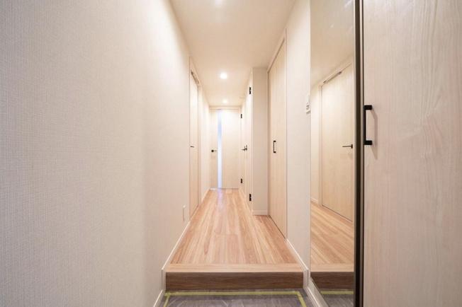 菊川グリーンハイツ:シューズボックスには姿鏡が付いているのでお出かけ前の身だしなみチェックもスムーズに行えます♪