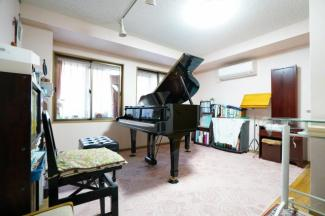 グランドピアノが置けるお部屋です(防音室設置済み)