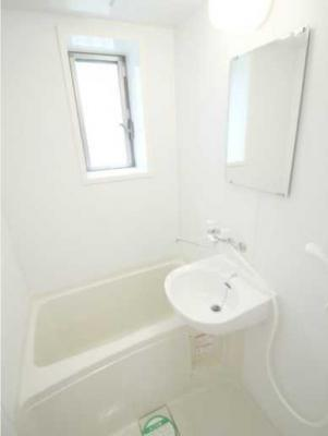 【浴室】パークサイドハウス三軒茶屋 リフォーム済 バストイレ別 収納豊富