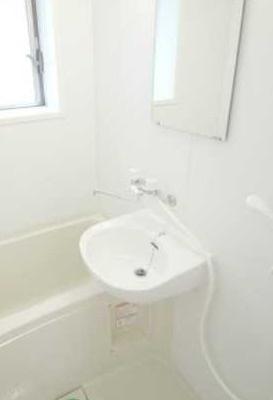 【洗面所】パークサイドハウス三軒茶屋 リフォーム済 バストイレ別 収納豊富
