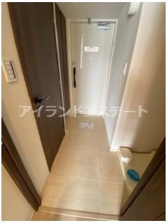 【玄関】クレヴィアリグゼ三軒茶屋 駅近 独立洗面台 浴室乾燥機