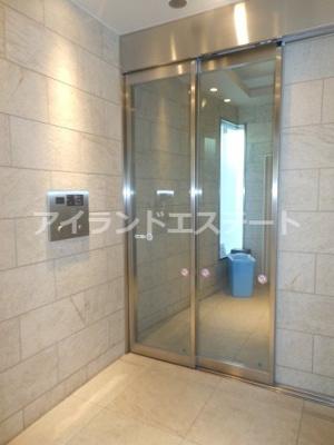 【エントランス】クレヴィアリグゼ三軒茶屋 駅近 独立洗面台 浴室乾燥機