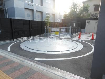 【駐車場】クレヴィアリグゼ三軒茶屋 駅近 独立洗面台 浴室乾燥機