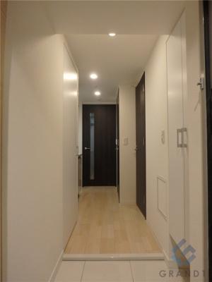 明るい雰囲気の玄関です♪