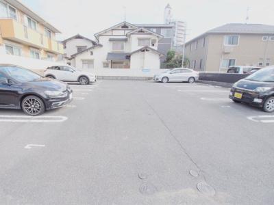 【駐車場】ベルヴュー長束 Ⅱ番館