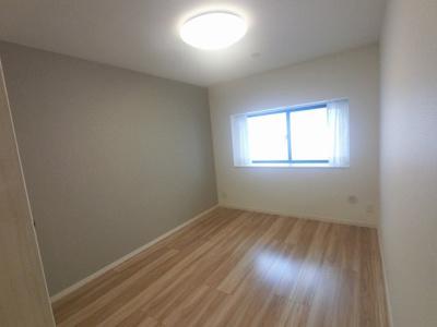 6.7帖の洋室は主寝室にいかがでしょうか。