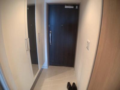 きれいな玄関です。シューズボックスもあります。