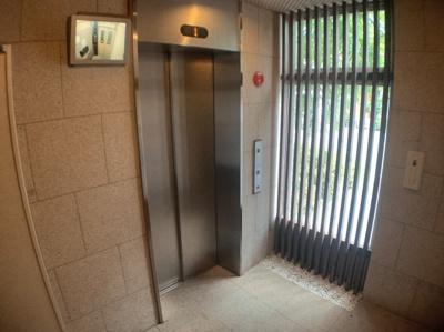 エレベーターも付いています。
