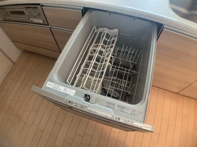 便利な食器洗浄機つきです。