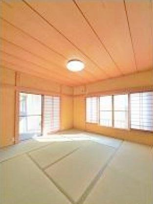 1階8.0帖和室 広々とした8.0帖の和室が2ヵ所、6.0帖和室が1か所ございます♪♪