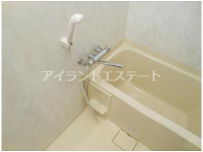 【浴室】ティアラ三軒茶屋 ネット無料 独立洗面台 オートロック