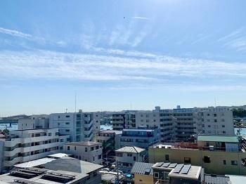 7階からの眺望です。 前建物がなく開放感があります。 日当たりも良好でお洗濯物もすぐに乾きそうです。