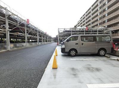 クリオレジダンス東京E棟の駐車場です。