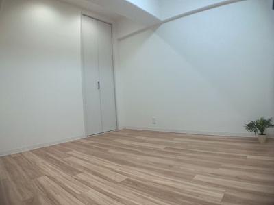 使い勝手のいい洋室です。約4.7帖あります。