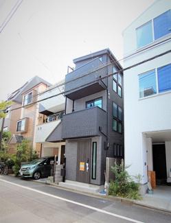 前面道路6.2m、閑静な住宅街にございます。