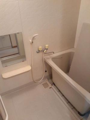 【浴室】フローラルヒルズA