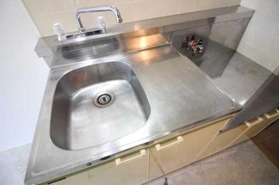 【キッチン】アール・ヨーロピアン 駅近 バストイレ別 室内洗濯機置場