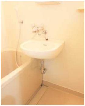 【洗面所】アール・ヨーロピアン 駅近 バストイレ別 室内洗濯機置場
