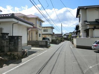 前面道路。幅員約5.1m、12.5m接道しています。