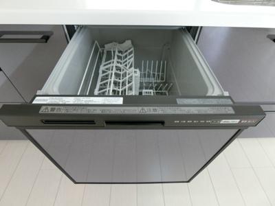 食器洗浄乾燥機もございます。食器洗いの手間も少なく済みますね!