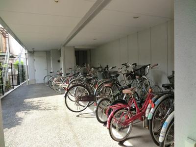 ☆敷地内屋根付き駐輪場・完備しています。☆