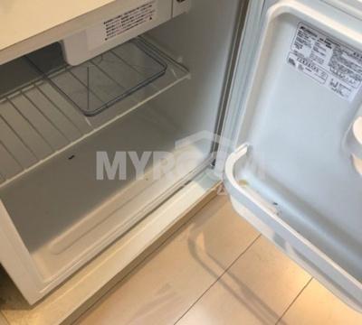 冷蔵庫付(使わない場合はコンセントを抜いて収納)