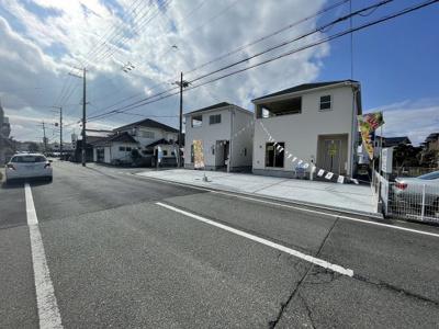 【外観】三木市志染町中自由が丘 第7 2号棟