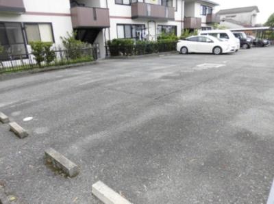 【駐車場】フォンテーヌ