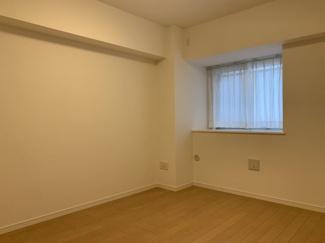 洋室は北東側に2部屋。約6.5帖と約5.0帖のお部屋です。