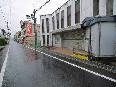 【周辺】大和小泉駅前テナント