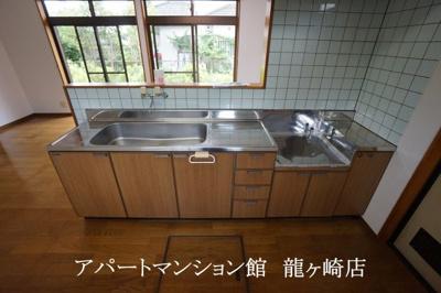 【キッチン】河内町猿島邸