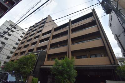 【外観】閑静な住宅街に佇む高級賃貸マンション