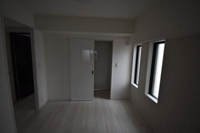 閑静な住宅街に佇む高級賃貸マンション