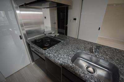 【キッチン】閑静な住宅街に佇む高級賃貸マンション