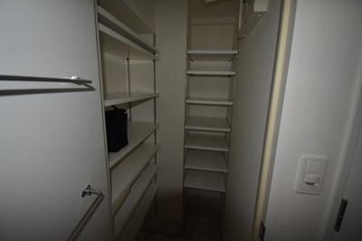 【玄関】閑静な住宅街に佇む高級賃貸マンション