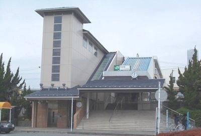 東海道線・鴨宮駅まで2280m