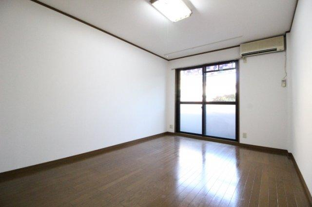 【居間・リビング】ハイツ八之坪
