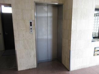 エレベーター(1階)