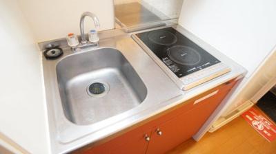 2口コンロ付きラジエントヒータ※キッチン棚が多く収納に便利