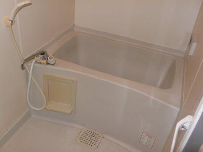 日々の暮らしに欠かせないお風呂です 追焚機能あり