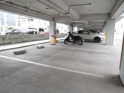 【駐車場】メゾンアルシュ